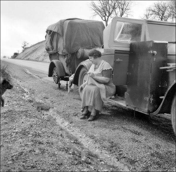 1936-california-migrant-pea-workers.jpg
