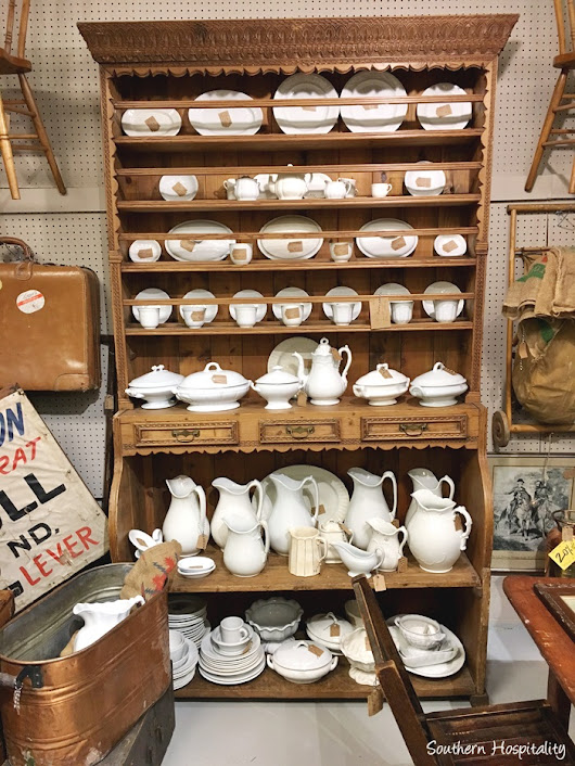 Antiques Shopping in Nashville - Southern Hospitality