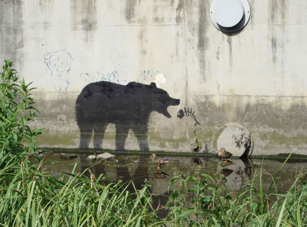 24 eloquentes obras de arte urbana mostrando a desagradável verdade 18