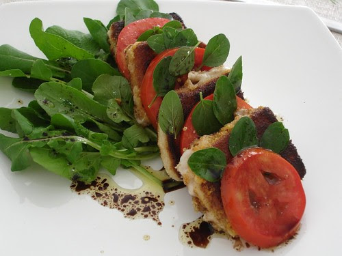 Crispy goat's cheese, tomato and basil salad