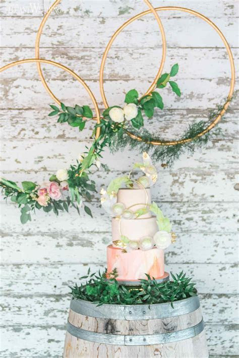 Rustic Glam Wedding Centrepieces   ElegantWedding.ca