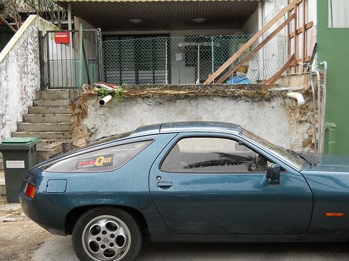 Porsche at Jalan Batai