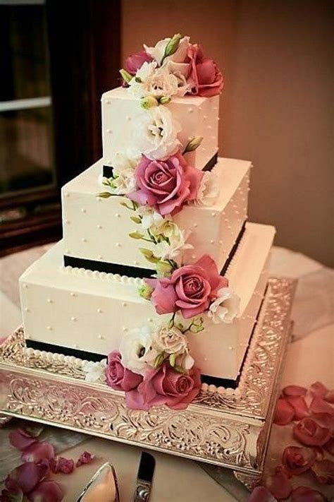 Best 25  Square wedding cakes ideas on Pinterest   Silver
