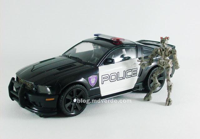 Transformers Barricade Human Alliance RotF - modo alterno