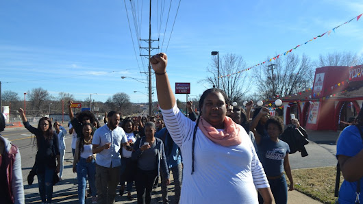 Students head to Ferguson for 'Alternative Spring Break'
