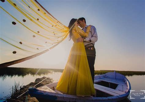 Pre wedding underwater photoshoot: WedAbout   WedAbout