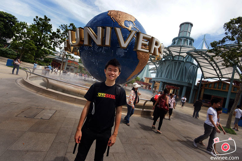 GOING-INTO-UNIVERSAL-STUDIOS-SINGAPORE-infront-of-the-globe