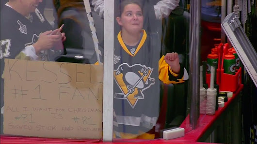 Phil Kessel makes a young fan's Christmas wish come true
