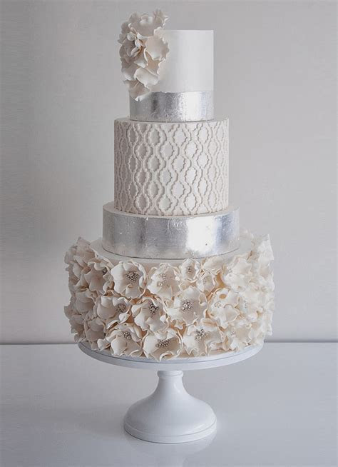 Wedding Trends : Metallic Cakes   Belle The Magazine