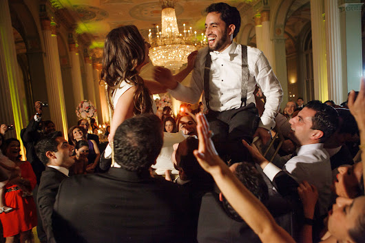 4 Ways to Make Sure Your Wedding Vendors Live in the 21st Century