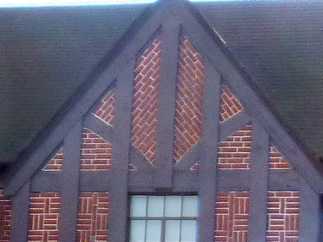 P1130506-2012-11-08-diagonal-un-drunk-brick-Atlanta-Federal-Prison-House-detail-640