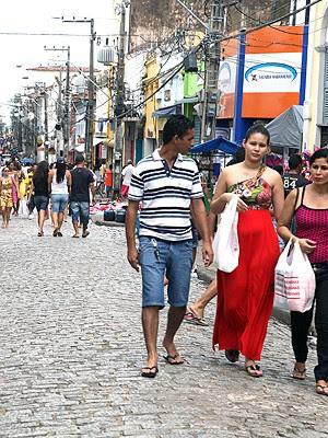 Lojas de rua poderão funcionar no feriado em São Luís
