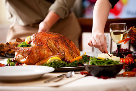 How to Prepare for a Stress-Free Holiday Feast