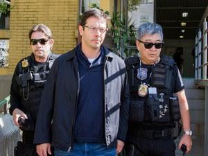 O advogado Alexandre Romano, ex-vereador de Americana (SP), faz exame de corpode delito no Instituto Médico Legal (IML) de Curitiba. Ele foi preso na 18ª fase da Operação Lava Jato (Foto: Paulo Lisboa/Brazil Photo Press/Estadão Conteúdo)