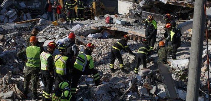 Θρήνος, όλεθρος και εικόνες απόλυτης καταστροφής στην Αλβανία – Στους 31 οι νεκροί από τον φονικό σεισμό (ΦΩΤΟ + VIDEO)