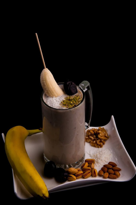 Ajwa Date Smoothie for Iftar Party