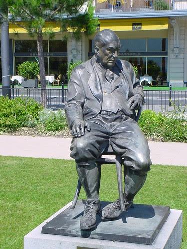 Vladimir Nabokov (statue, ville de Montreux) by Patrick Chartrain