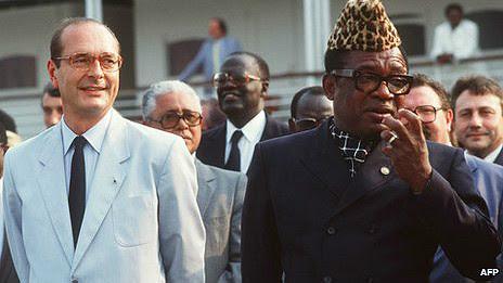 El entonces alcalde de París, Jacques Chirac, con Mobutu