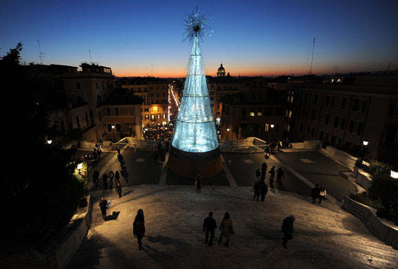 Gallery Light installations: Christmas tree in Rome