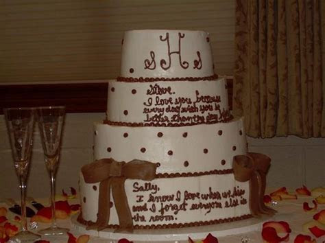 Wedding cakes with writing on them   idea in 2017   Bella