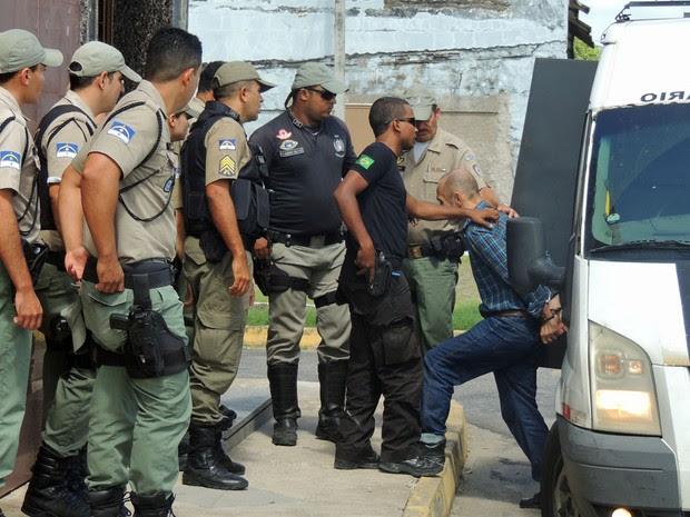 Jorge Beltrão Negromonte da Silveira chega ao Fórum de Olinda para o segundo dia do júri (Foto: Katherine Coutinho/G1)
