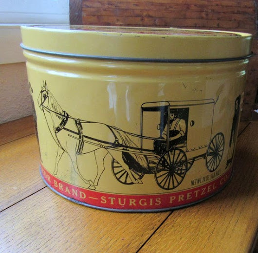 Amish Pretzel Tin Large Gold and Red  Since 1861 Victor Brand
