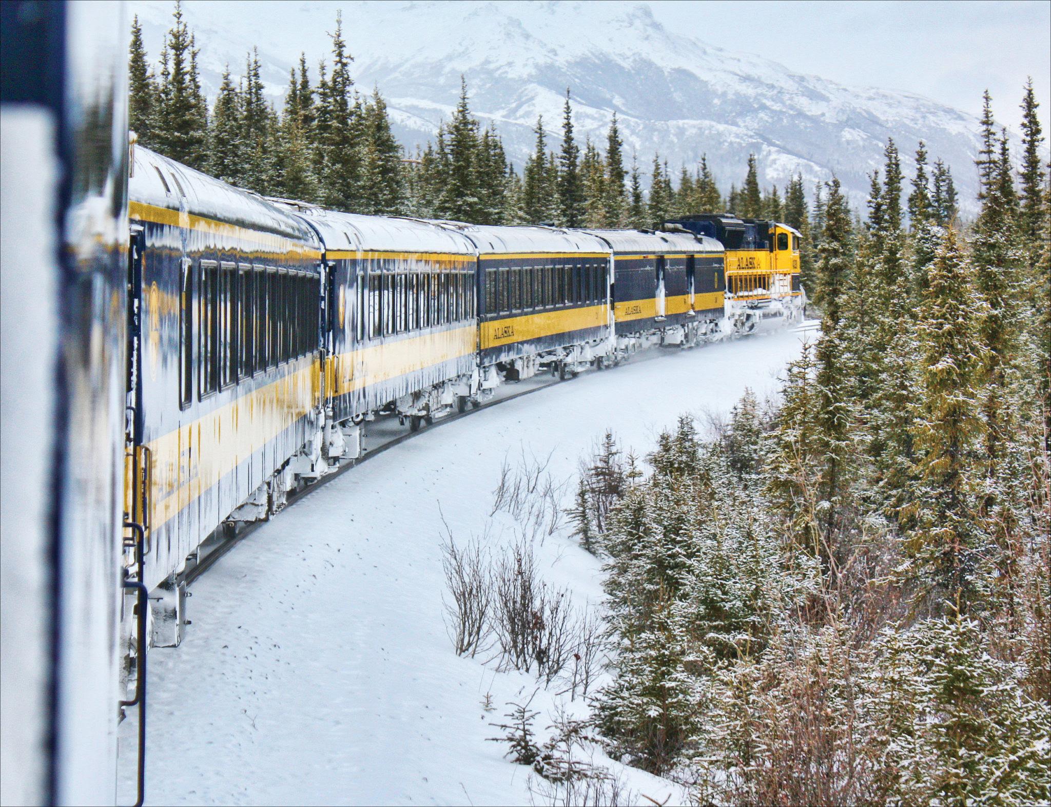 Aurora Train Travel in Winter  Alaska Tours