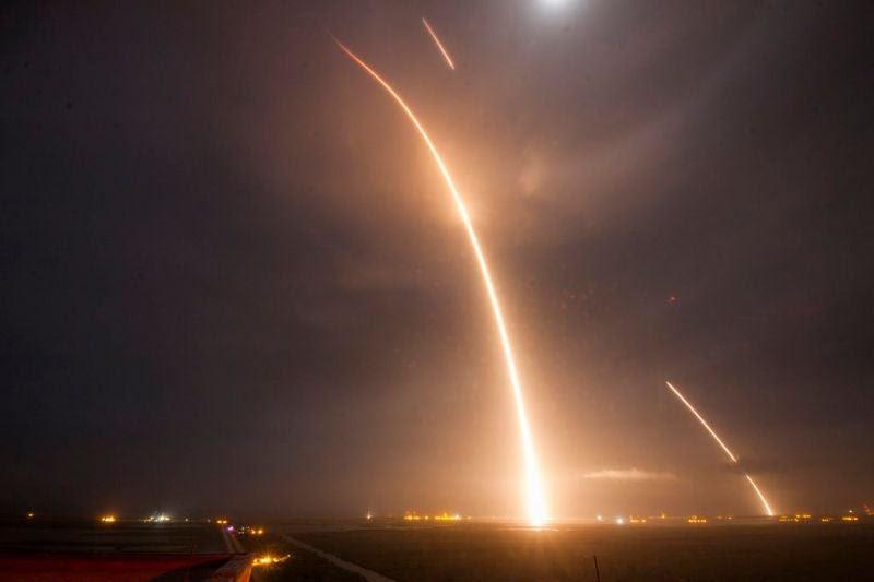 Las mejores fotografías del Falcon 9 y su aterrizaje histórico