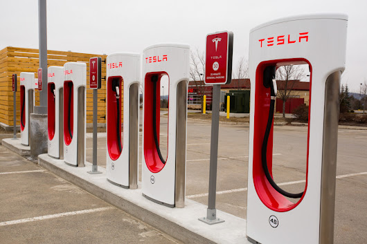 Tesla unveils supercharging station in Augusta - The Portland Press Herald / Maine Sunday Telegram