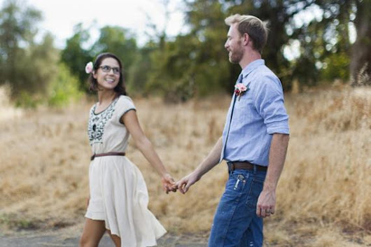 Intimate flower farm elopement http://t.co/jVS7Uq80HK http://t.co/8o93waDbH4