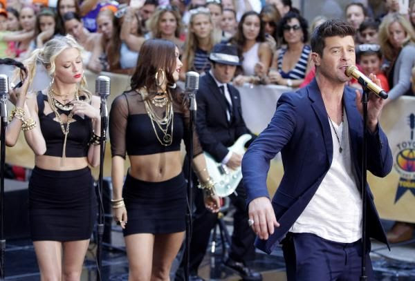 Robin Thicke : Today (July 2013) photo ROBIN-THICKE-TODAY.jpg