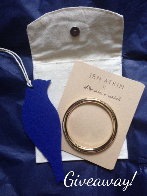Chloes + Isabel gold Oversized Circle Barrette by Jen Atkin neversaydiebeauty.com @redAllison