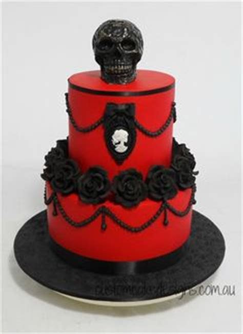 Best 25  Gothic birthday cakes ideas on Pinterest   Gothic
