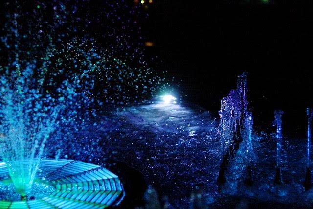 regence bldg. fountain at night