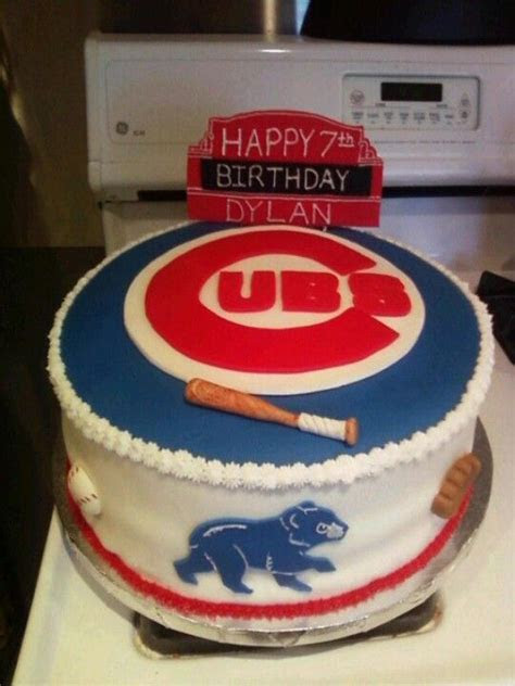 Chicago Cubs by Dulcis Cakes   Themed Cakes   Chicago cubs