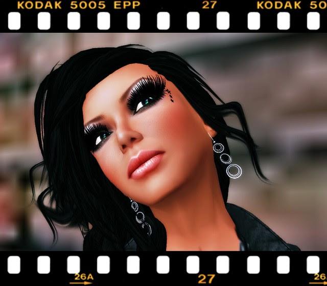 Phoebes Maia Earrings_001