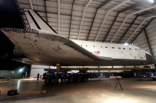 An actual pic of Endeavour entering her new home, the Samuel Oschin Pavilion, at the California Science Center on October 14, 2012.
