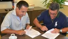 Nani Azevedo renova contrato com a Central Gospel Music