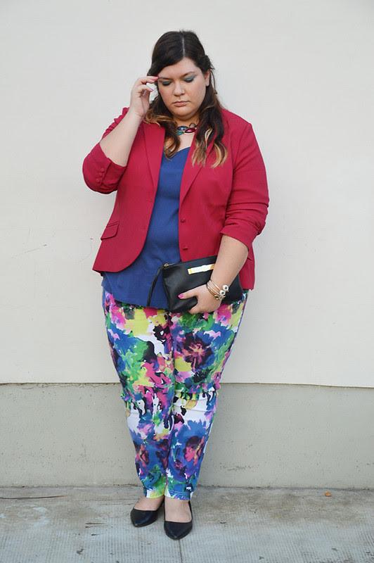 outfit pantaloni colorati e giacca aile2