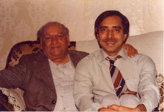 Khalid Hasan (right) with Faiz Ahmed Faiz, Birmingham, 1978