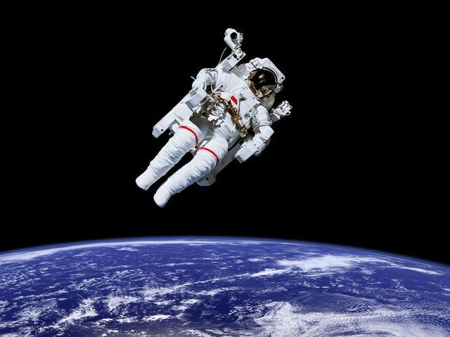 astronauta-no-espaco