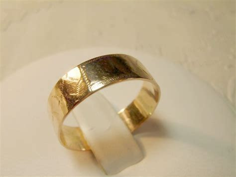Victorian 10K Rose Gold Engraved Wedding Band from