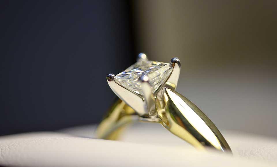 royal-engagement-diamond-ring