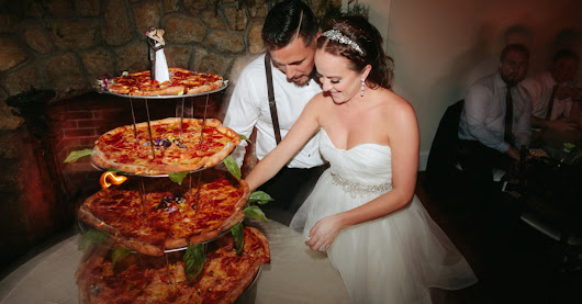 Two Pizza Lovers Got Married And Served Pizza Instead Of Wedding Cake
