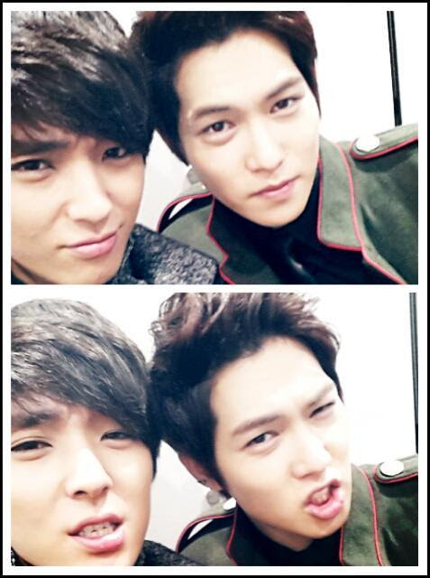 [TWITTER|PHOTO|TRANS] DOUBLE JH SELCA @FtGtJH: I don't know Today I just get along with this guy pic.twitter.com/xbL5R87O @FtGtJH: 모르겠다 오늘은 그냥 이놈과함께 pic.twitter.com/xbL5R87O Translated by @cnburningbow *i'm a happy shipper*