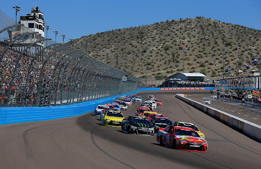 Your RV Guide to Phoenix International Raceway