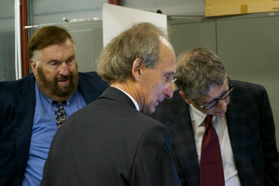 Vittorio Violante showing Bill Gates Cold Fusion with a Frascati director looking on