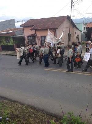 Guardaparques marcharon en busca de mejores condiciones para el resguardo de áreas de protección. CRH