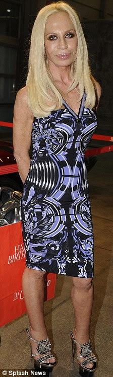 Jeans Donatella Versace Can T Avoid The Dreaded Bingo