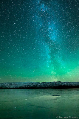 Pin by Miss Blossom on ❤•❤Aurora Borealis, Moonlight And Milky Way... | Pinterest | Aurora borealis